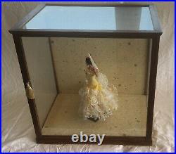 VINTAGE 1970s NISHI WOOD GLASS TABLE TOP DISPLAY / DOLL CASE MAHOGANY FINISH