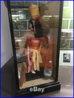 Vintage Japanese Geisha Doll in Wood/Glass Case Cabinet